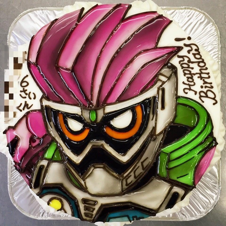 『仮面ライダー エグゼイド』が、早速ケーキになりました♪