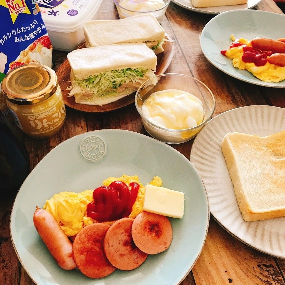 ソーセージの朝食