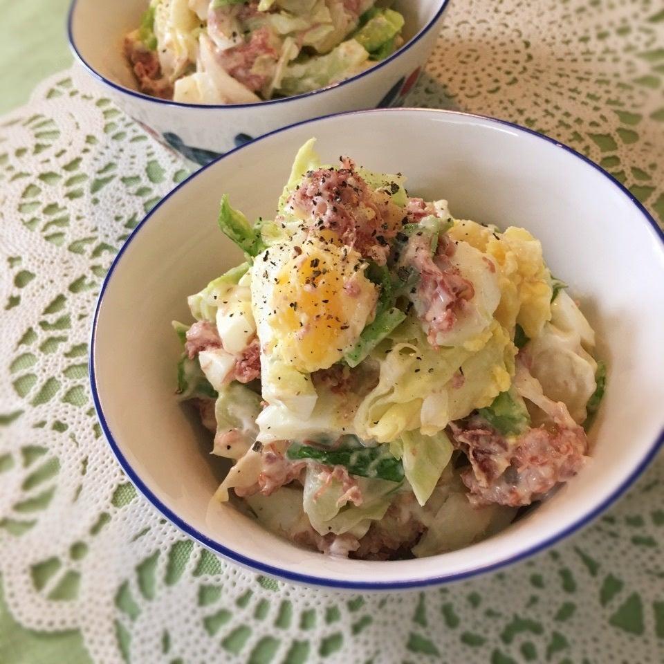 白いお皿に盛られたポテトサラダ