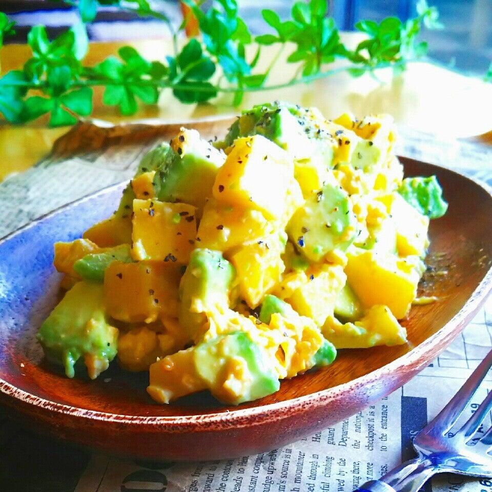 6. ポテト&アボカドのクリーミー味噌マヨサラダ