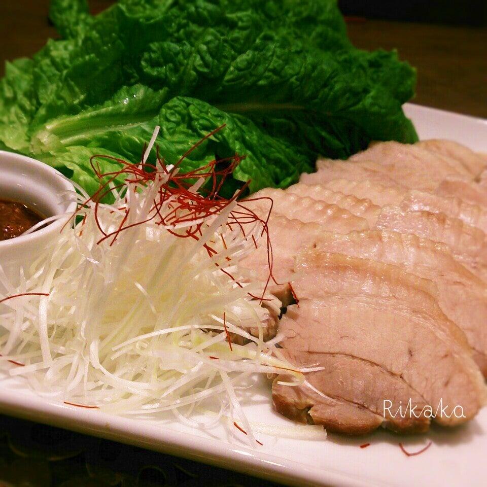 2. 塩豚のサンチュ巻き