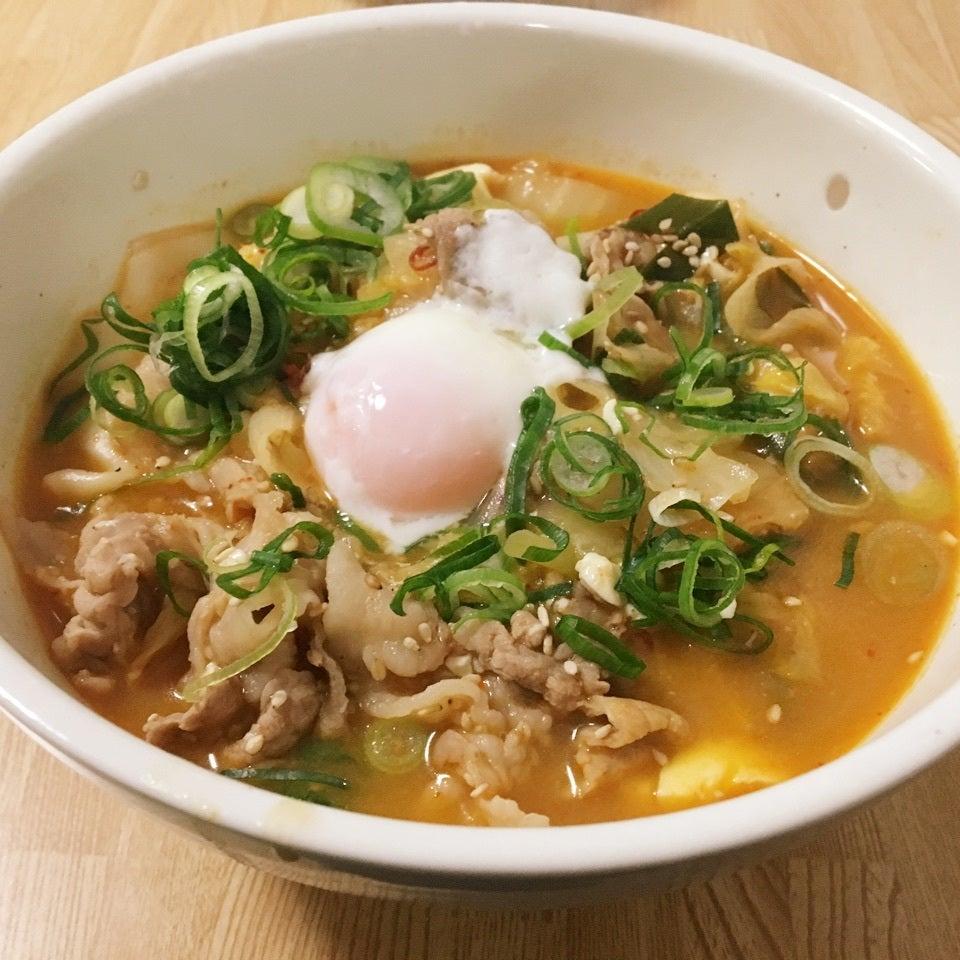 激辛水餃子チゲスープ